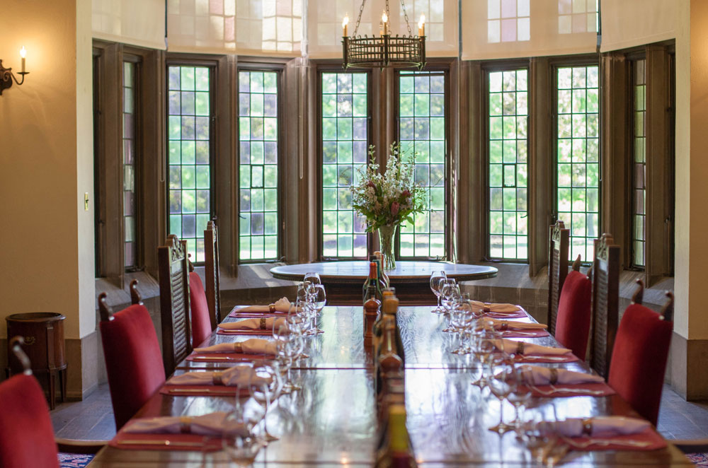 dinning room at tangley oaks